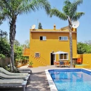 Ferienhaus mit Pool (LOU135) vakantiehuis